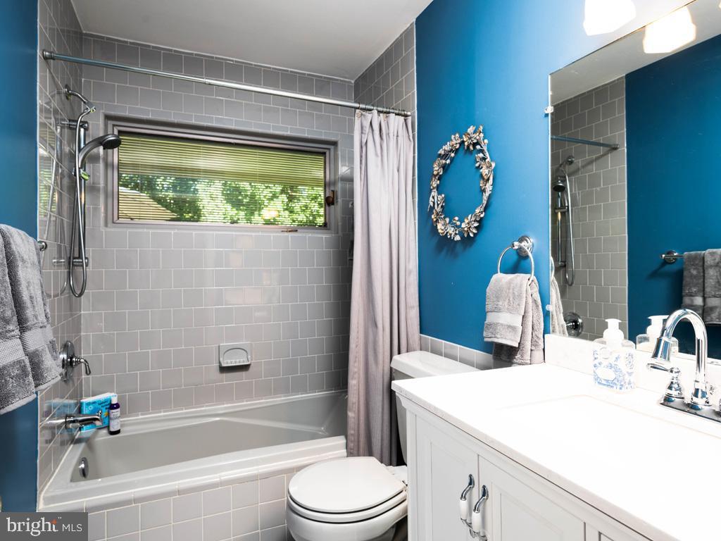 VAFX2006470-800854231424-2021-07-15-06-22-36  |   | Annandale Delaware Real Estate For Sale | MLS# Vafx2006470  - Best of Northern Virginia