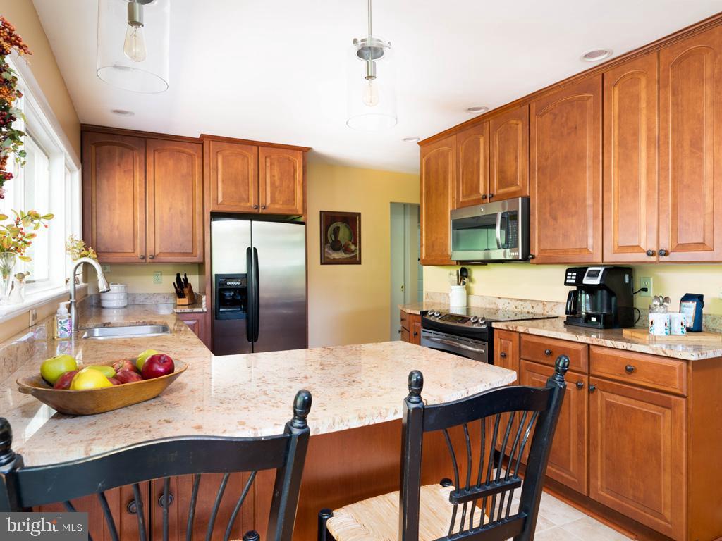 VAFX2006470-800854231574-2021-07-15-06-22-35  |   | Annandale Delaware Real Estate For Sale | MLS# Vafx2006470  - Best of Northern Virginia