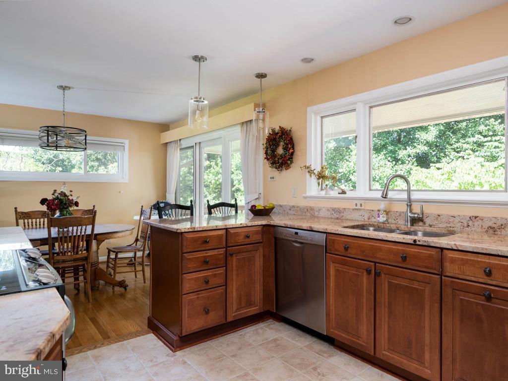 VAFX2006470-800854231644-2021-07-15-06-22-35  |   | Annandale Delaware Real Estate For Sale | MLS# Vafx2006470  - Best of Northern Virginia