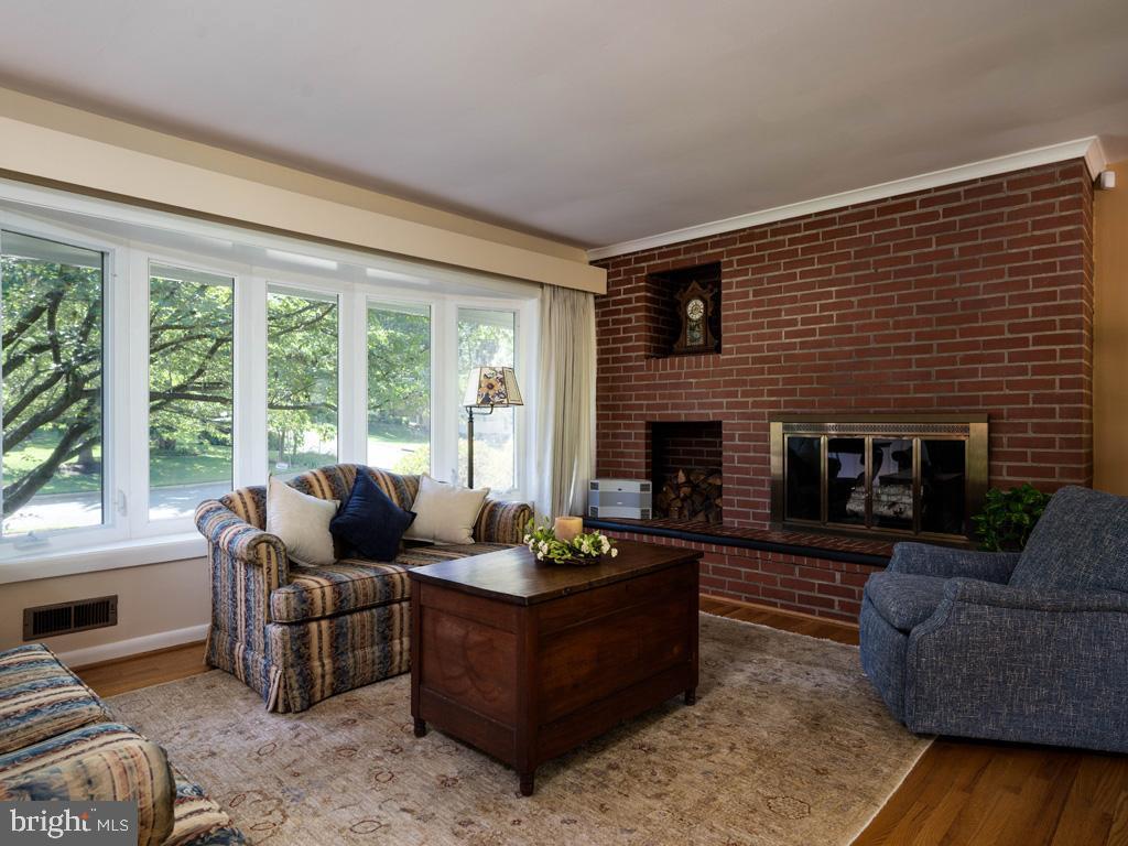 VAFX2006470-800854231732-2021-07-15-06-22-37  |   | Annandale Delaware Real Estate For Sale | MLS# Vafx2006470  - Best of Northern Virginia