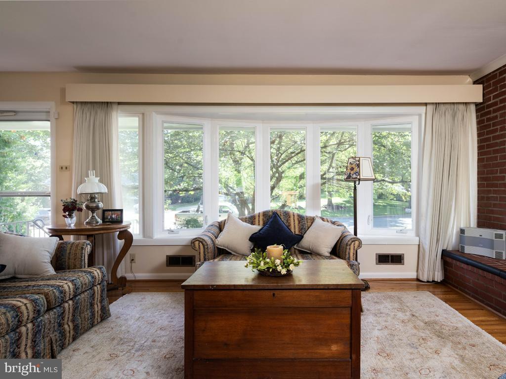 VAFX2006470-800854231756-2021-07-15-06-22-36  |   | Annandale Delaware Real Estate For Sale | MLS# Vafx2006470  - Best of Northern Virginia