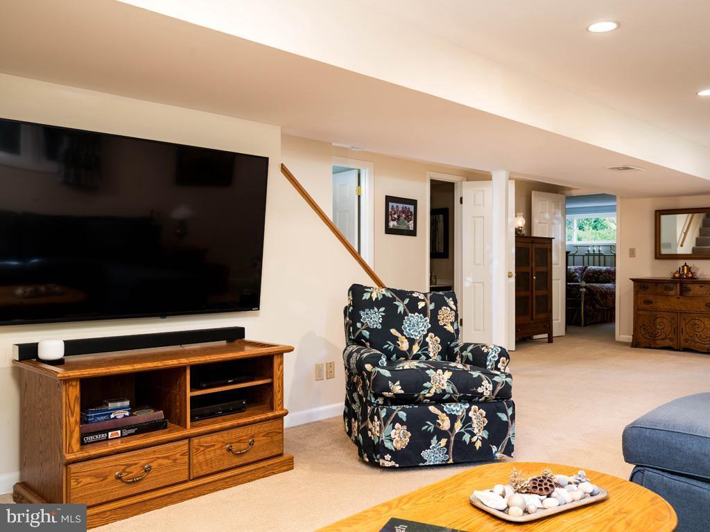 VAFX2006470-800854232276-2021-07-15-06-22-35  |   | Annandale Delaware Real Estate For Sale | MLS# Vafx2006470  - Best of Northern Virginia