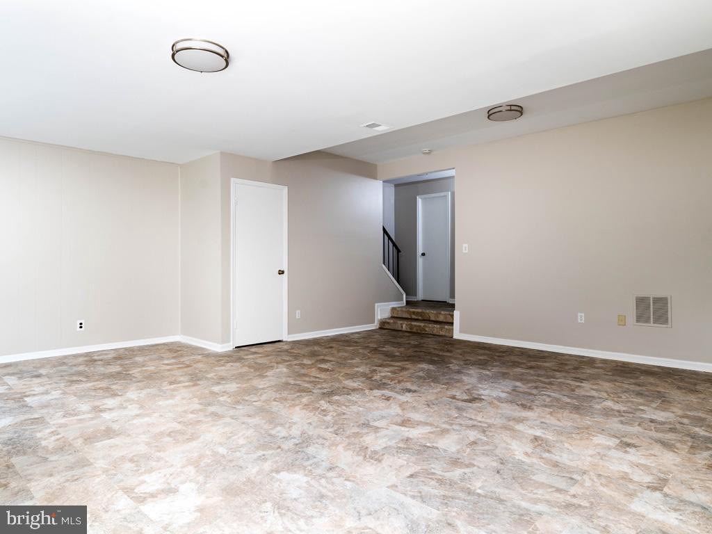 VAFX2015118-800947884336-2021-09-11-09-13-01  |   | Oakton Delaware Real Estate For Sale | MLS# Vafx2015118  - Best of Northern Virginia