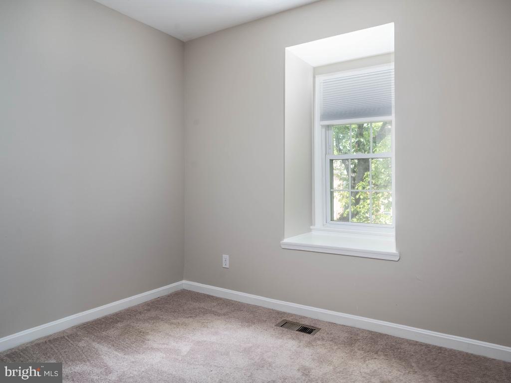 VAFX2015118-800947884424-2021-09-11-09-12-59  |   | Oakton Delaware Real Estate For Sale | MLS# Vafx2015118  - Best of Northern Virginia