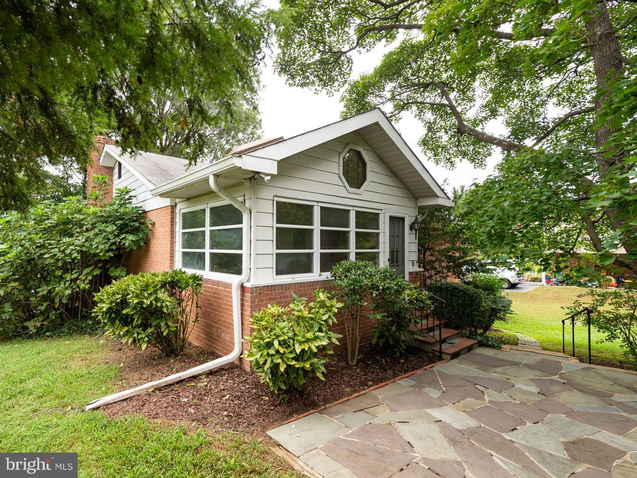 VAFX300106-301103780390-2021-09-05-14-14-29  |   | Alexandria Delaware Real Estate For Sale | MLS# Vafx300106  - Best of Northern Virginia