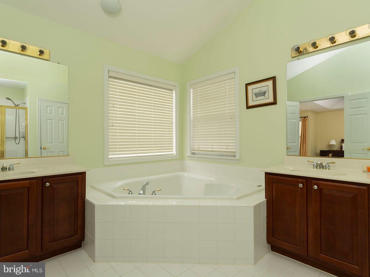VAFX426100-301143652434-2021-09-05-14-39-03  |   | Chantilly Delaware Real Estate For Sale | MLS# Vafx426100  - Best of Northern Virginia