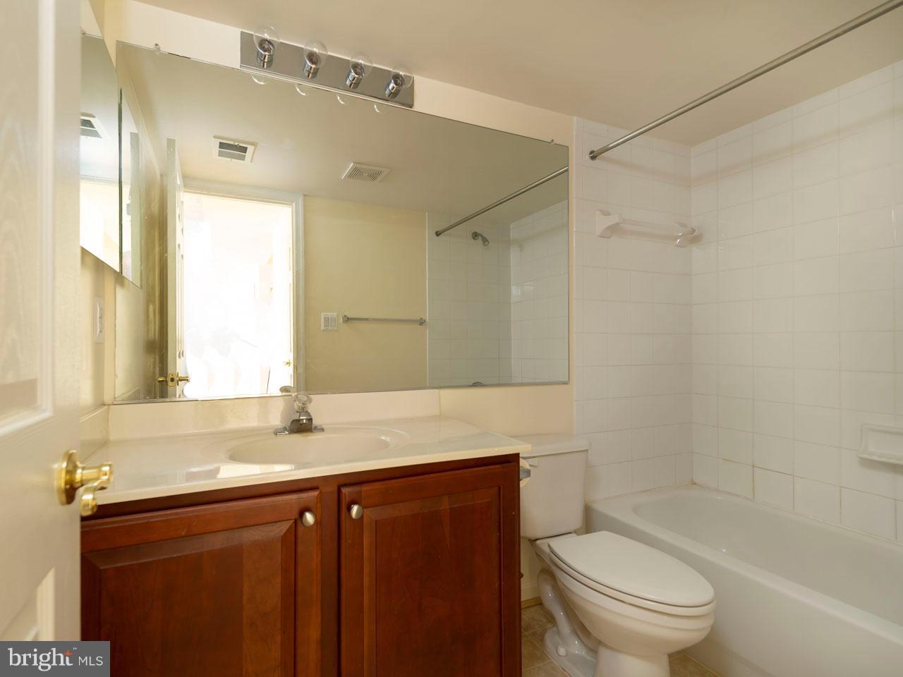 VAFX426100-301143656729-2021-09-05-14-39-03  |   | Chantilly Delaware Real Estate For Sale | MLS# Vafx426100  - Best of Northern Virginia