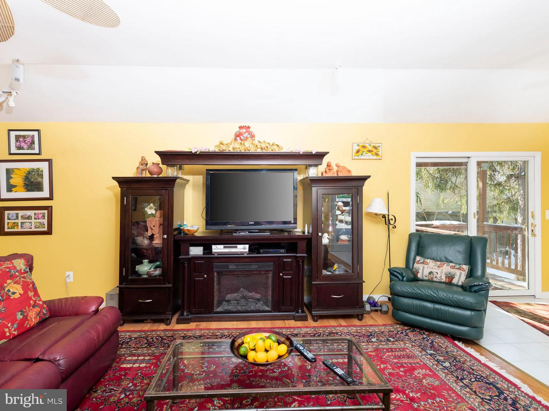 VAFX746888-301300169219-2021-07-17-13-55-51  |   | Alexandria Delaware Real Estate For Sale | MLS# Vafx746888  - Best of Northern Virginia