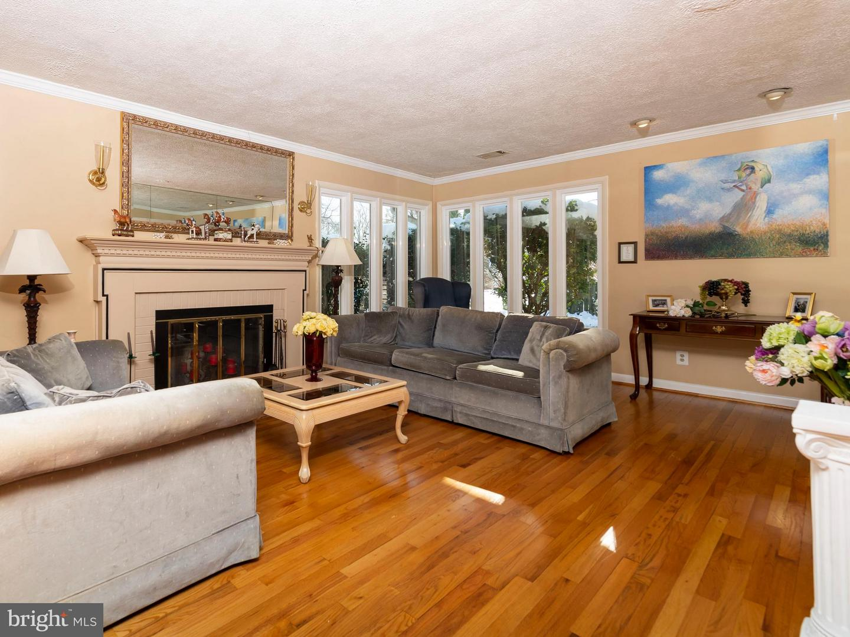 VAFX746888-301300170171-2021-07-17-13-55-50  |   | Alexandria Delaware Real Estate For Sale | MLS# Vafx746888  - Best of Northern Virginia