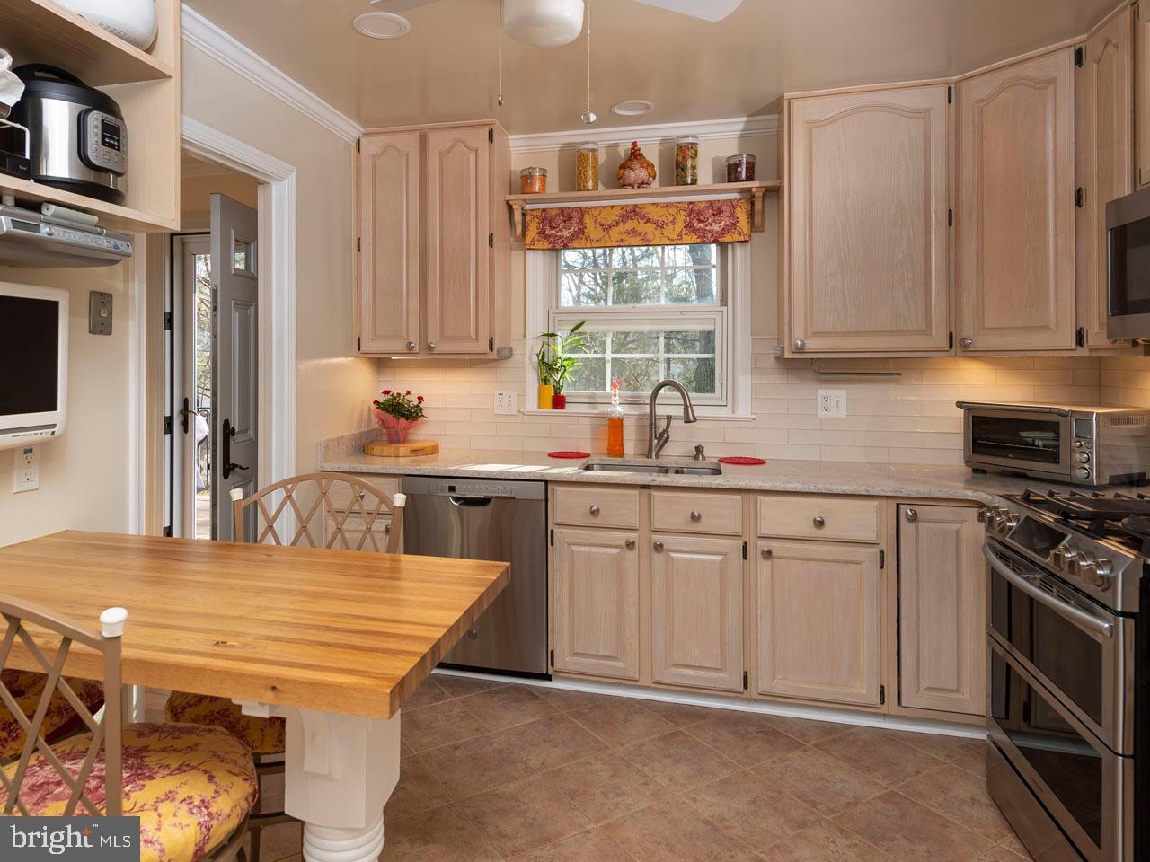VAFX991554-301452476107-2021-07-17-15-26-50        Annandale Delaware Real Estate For Sale   MLS# Vafx991554  - Best of Northern Virginia