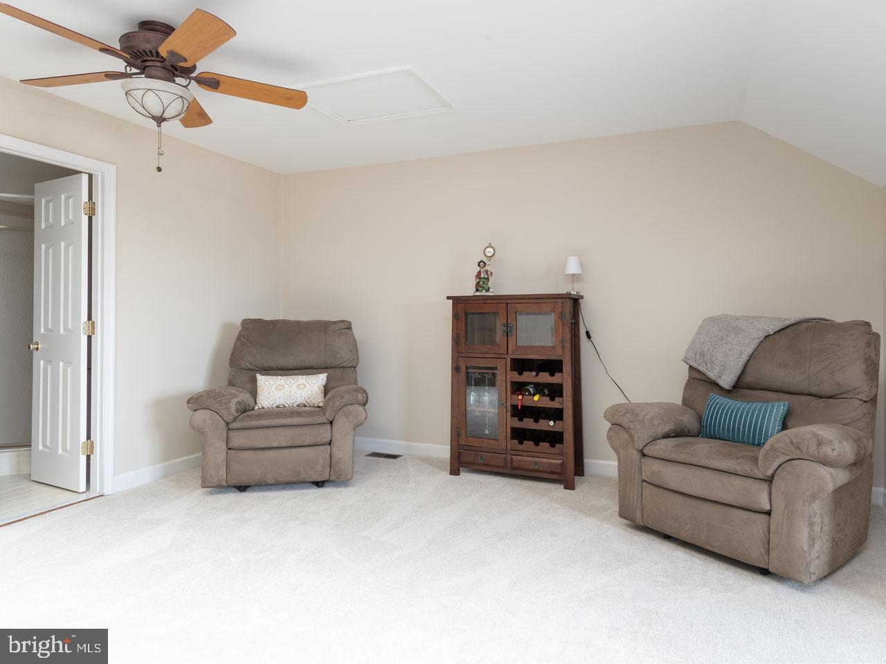 VAFX991644-301501869913-2021-07-17-16-04-12  |   | Alexandria Delaware Real Estate For Sale | MLS# Vafx991644  - Best of Northern Virginia