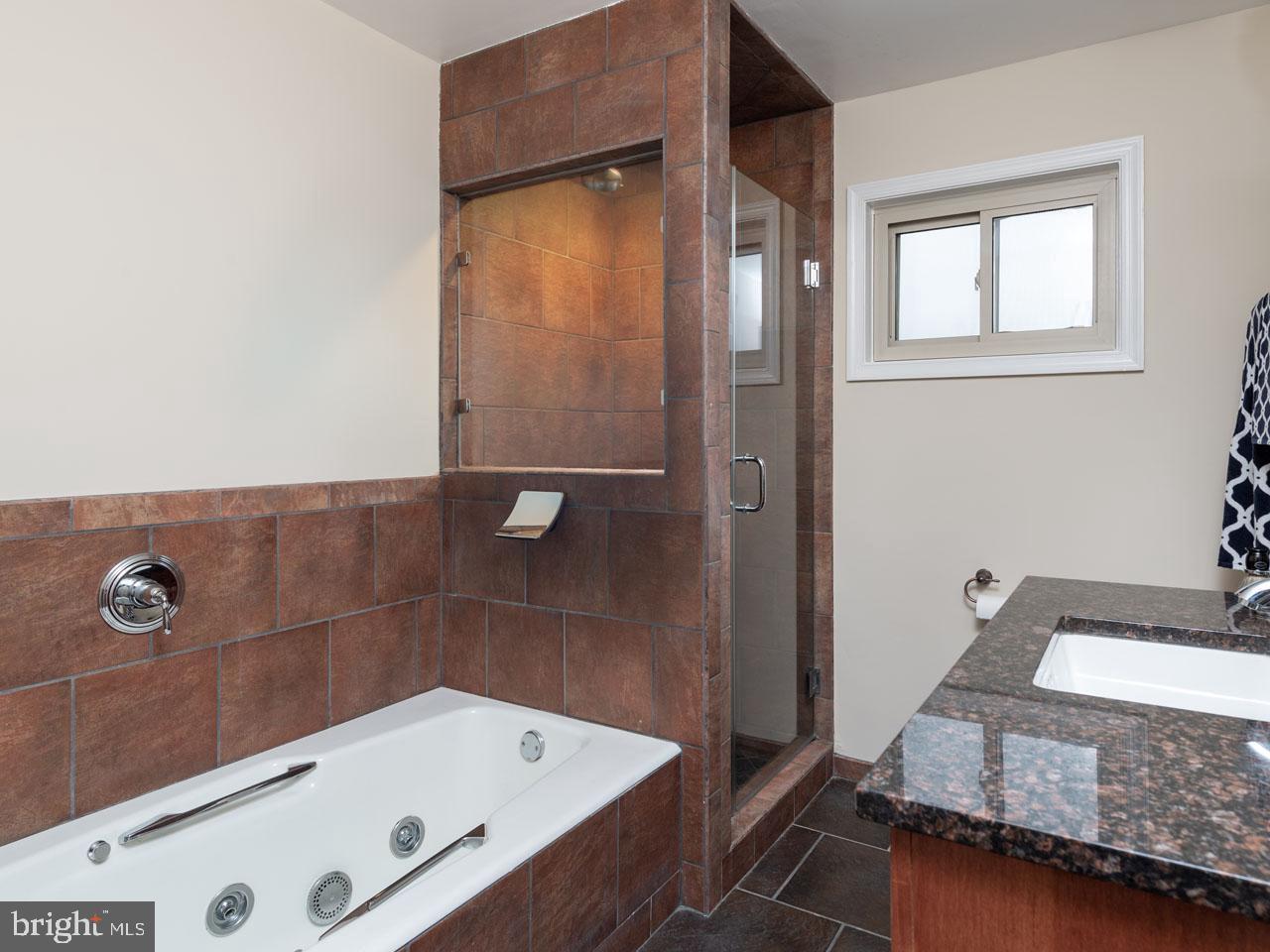 VAFX991644-301501869938-2021-07-17-16-04-11  |   | Alexandria Delaware Real Estate For Sale | MLS# Vafx991644  - Best of Northern Virginia