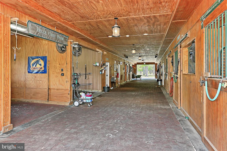 VALO439652-304624267301-2021-07-14-20-32-16        Upperville Delaware Real Estate For Sale   MLS# Valo439652  - Best of Northern Virginia